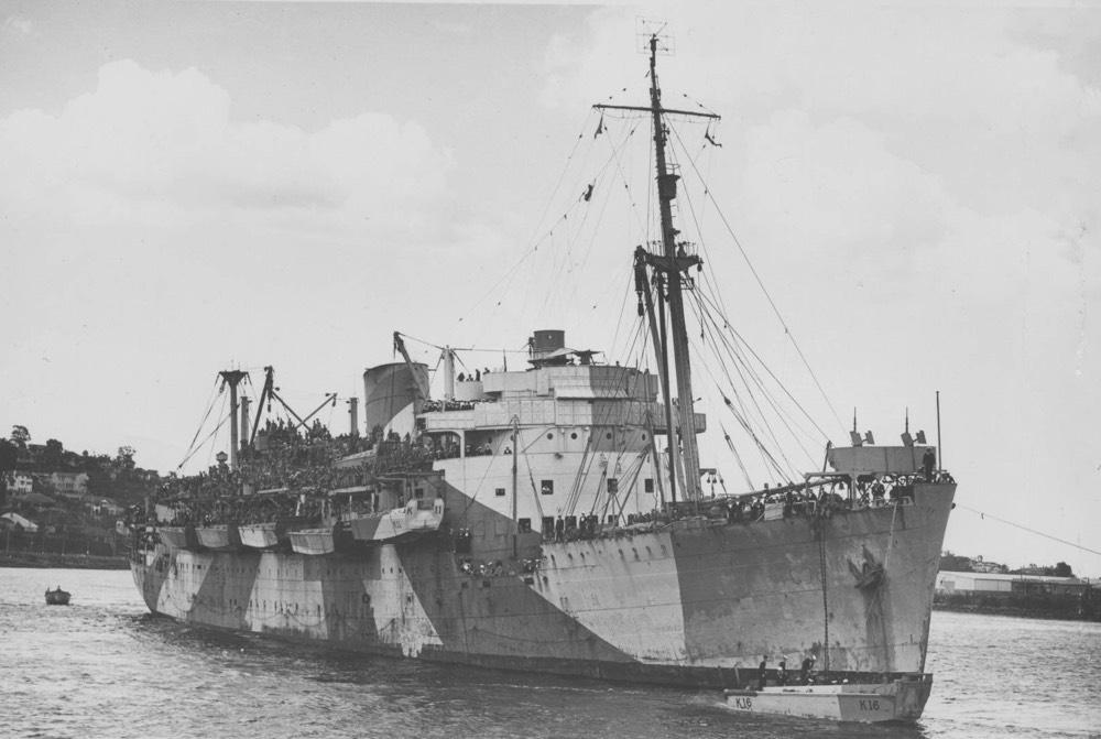 Resultado de imagen de HMAS Kanimbla
