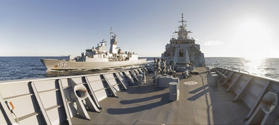 HMAS Parramatta and HMAS Toowoomba conduct a light jackstay during INDO-PACIFIC ENDEAVOUR 2017 off the east coast of Australia.