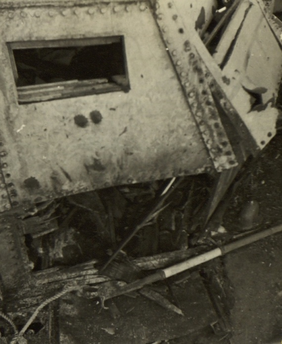Damage to ML 1323's wheel house