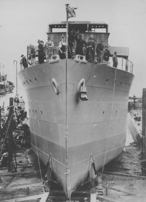 HMAS Cessnock being launched on 17 October 1941.
