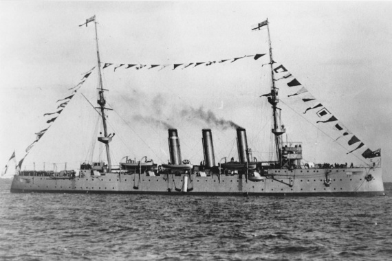 HMAS Encounter dressing ship during the Fleet Entry in October 1913.