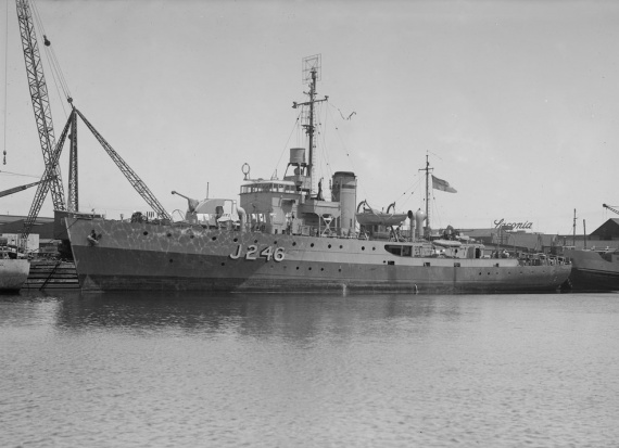 HMAS Fremantle shortly after commissioning in the RAN.