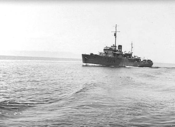 HMAS Gympie, circa 1943. (AWM 041266)