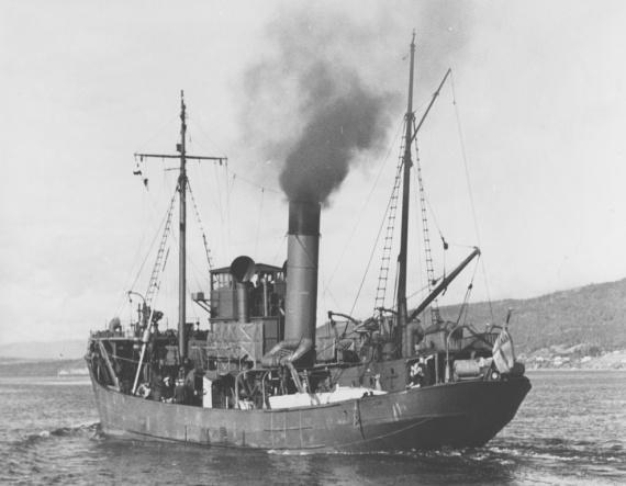 HMAS Goonambee