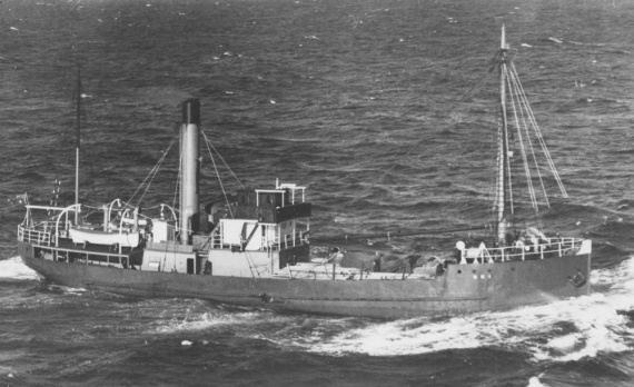 HMAS Uki prior to being requisitioned for Naval service, October 1939.