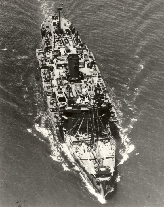 HMAS Kanimbla entering Brisbane in 1944