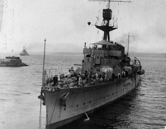 HMAS Adelaide and HMS Repulse underway in 1924