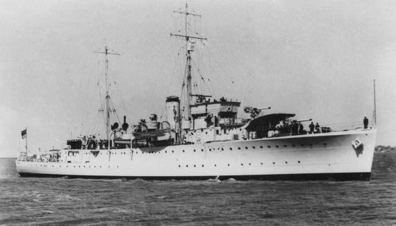 HMAS Swan, circa 1939.