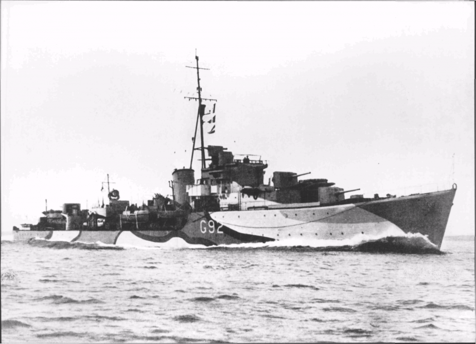 Quickmatch as she appeared during World War II prior to her conversion to a fast anti-submarine frigate. Note her disruptive pattern camouflage and wartime pennant number.