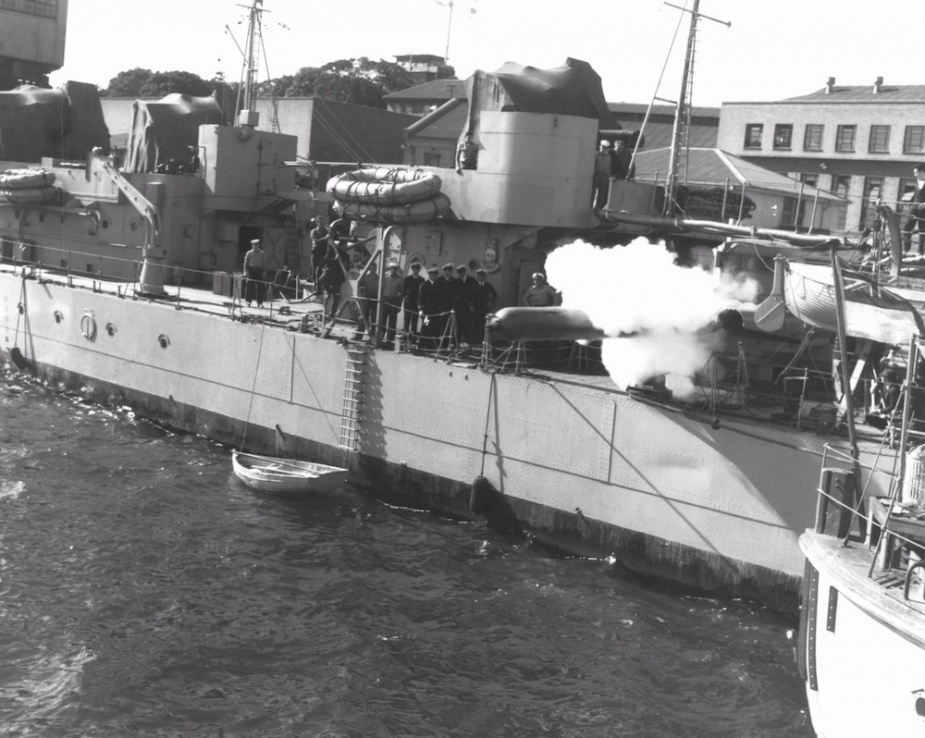 Anzac alongside Garden Island, Sydney conducting torpedo trials