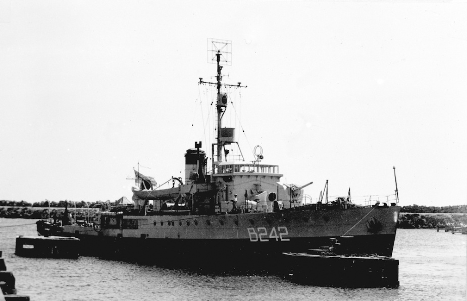 Geraldton wearing her British Pacific Fleet pennant number c.1945