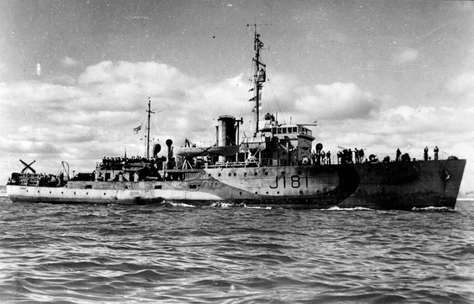 Tamworth wearing her wartime disruptive pattern camouflage paint scheme.