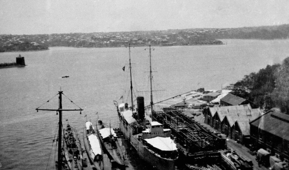 On arrival in Australia the J class submarines underwent extensive maintenance at Garden Island and Cockatoo Island Dockyards. Here several of the J class can be seen nested alongside HMAS Platypus at Garden Island.