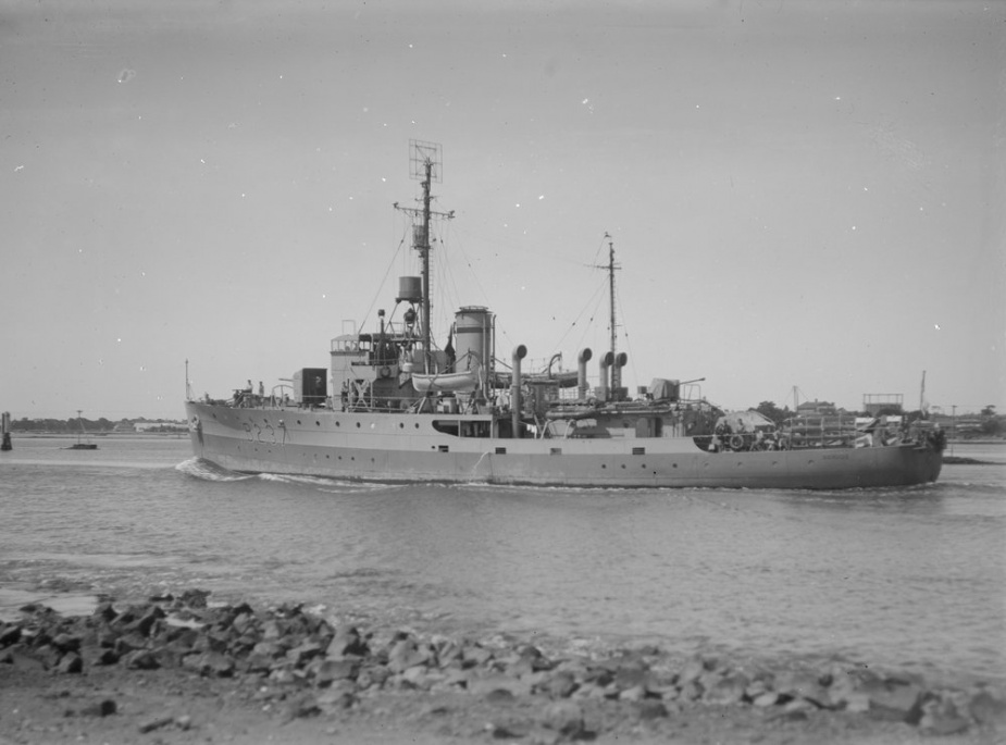 While serving with the British Pacific Fleet, HMAS Bendigo wore the pennant number B237