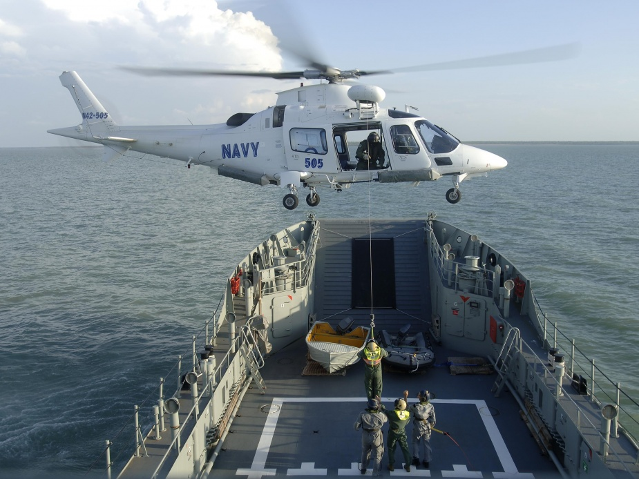 HMAS Betano conducts an Aviation Sea Safety Assessment with a 109E Agusta Westland Helicopter from 723 Squadron, November 2008.