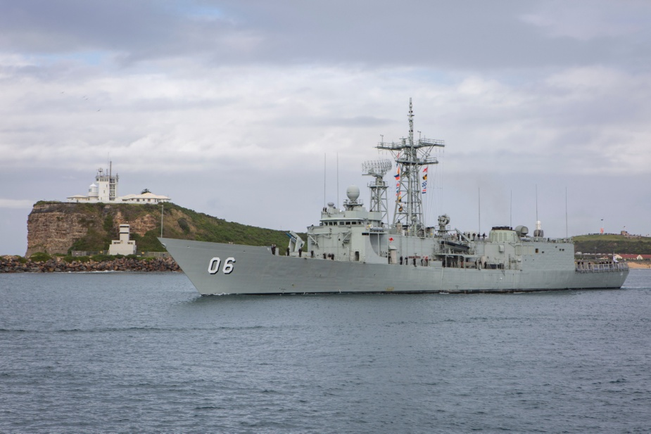 HMAS Newcastle departs Newcastle Harbour for the last time before decommissioning.