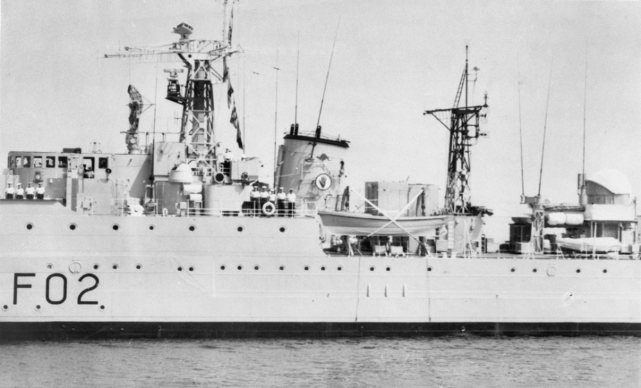 HMAS Queenborough wearing a red kangaroo above the insignia of the Royal Navy 6th Frigate Squadron, Londonderry, Northern Ireland, 1955.