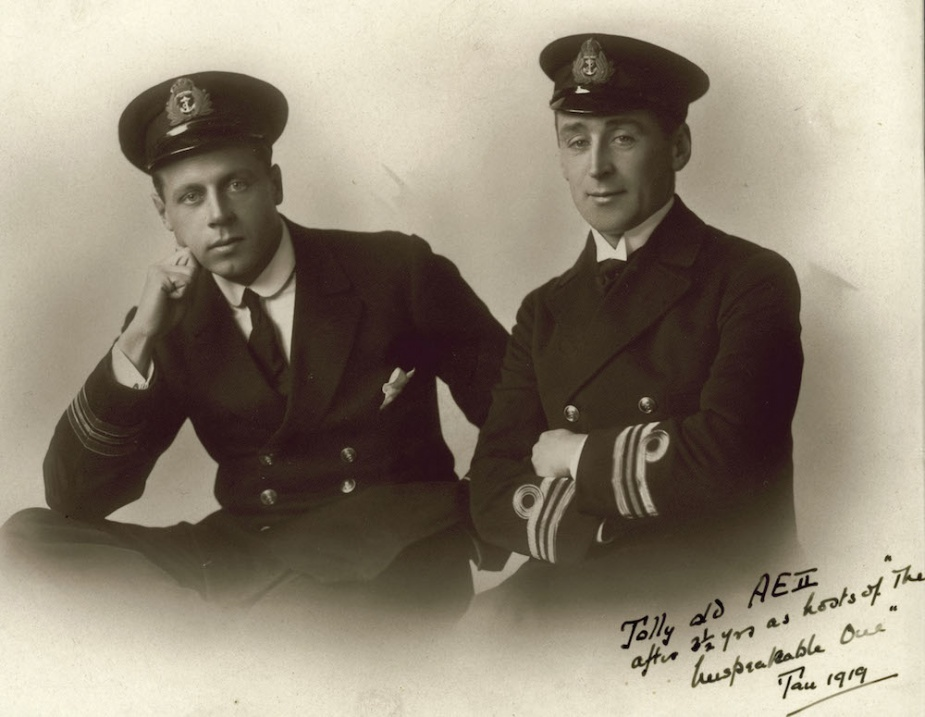Lieutenant Commander Haggard, AE2's executive officer with Lieutenant Commander Stoker, AE2's captain, following their release from Turkish captivity. (ANMM)