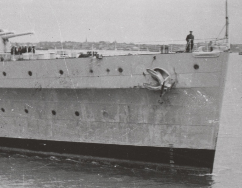 Sydney's bow section. During the sinking sequence the bow severed from the main part of the ship and came to rest, inverted, on the seabed in the debris field.
