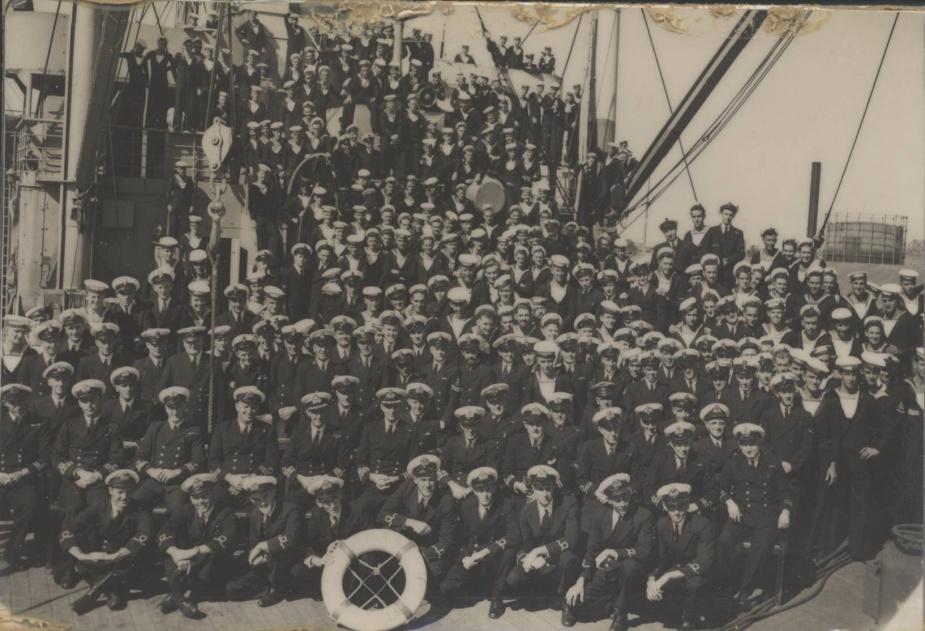HMAS Kanimbla's ships company