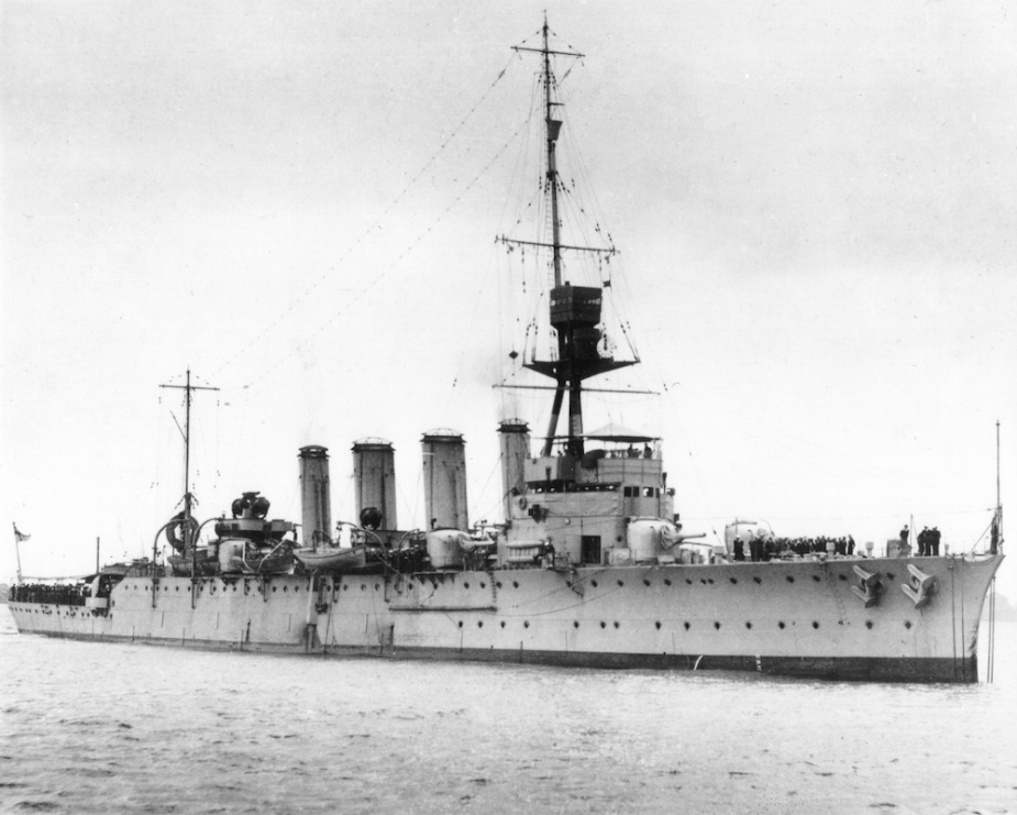 HMAS Adelaide (I) in her original configuration with four funnels.