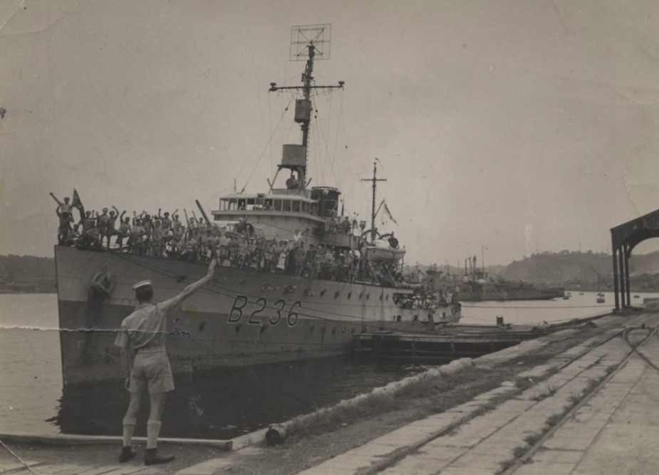 HMAS Ballarat wearing her British Pacific Fleet pennant number c. 1945