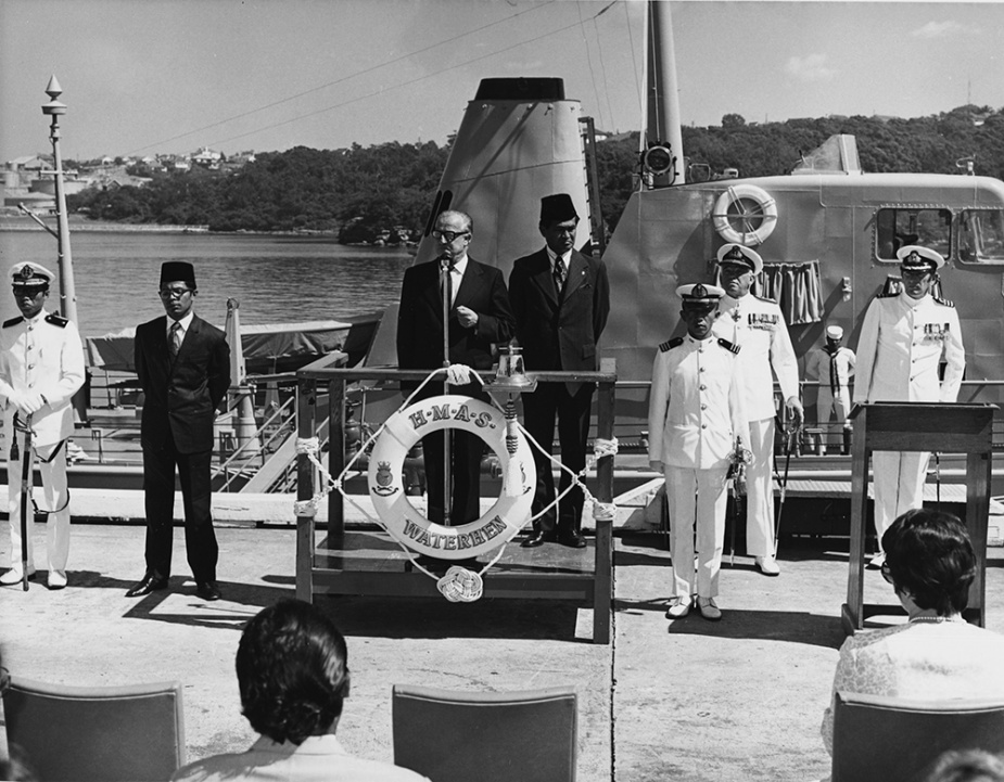 Minister for Defence, Lance Barnard handed ownership of HMAS Bandolier to the Indonesian Navy on 16 November 1973 at HMAS Waterhen. Bandolier was later renamed KRI Sibarau.