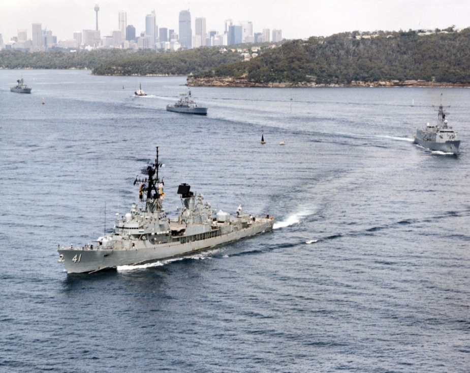 HMAS Brisbane leads the fleet en route to the Fleet Concentration Period, circa February 1993.