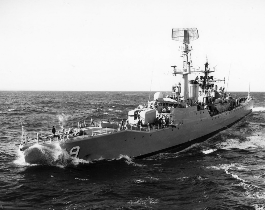 HMAS Derwent digging in during a replenishment with HMAS Supply.