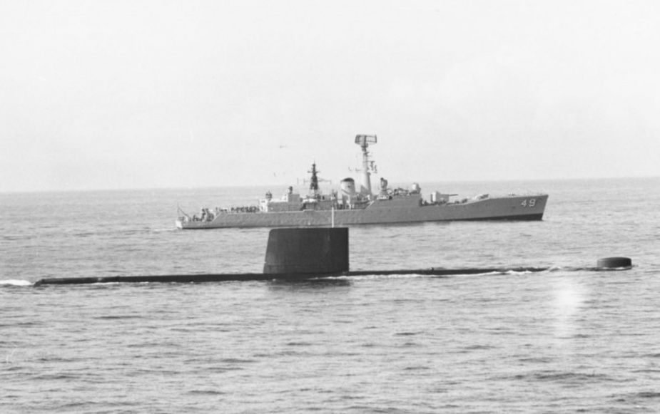 HMAS Derwent in company with HMAS Otama, August 1979.