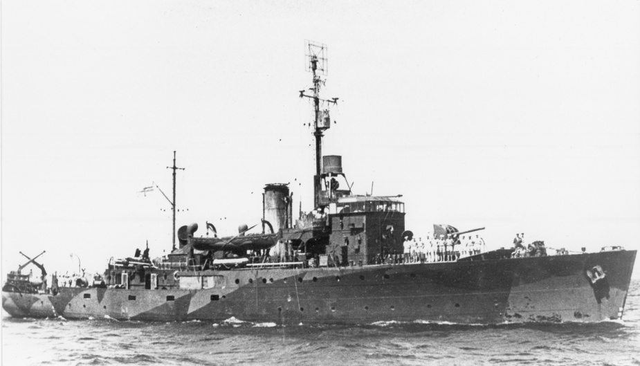 HMAS Dubbo wearing her disruptive pattern camouflage paint during World War II.