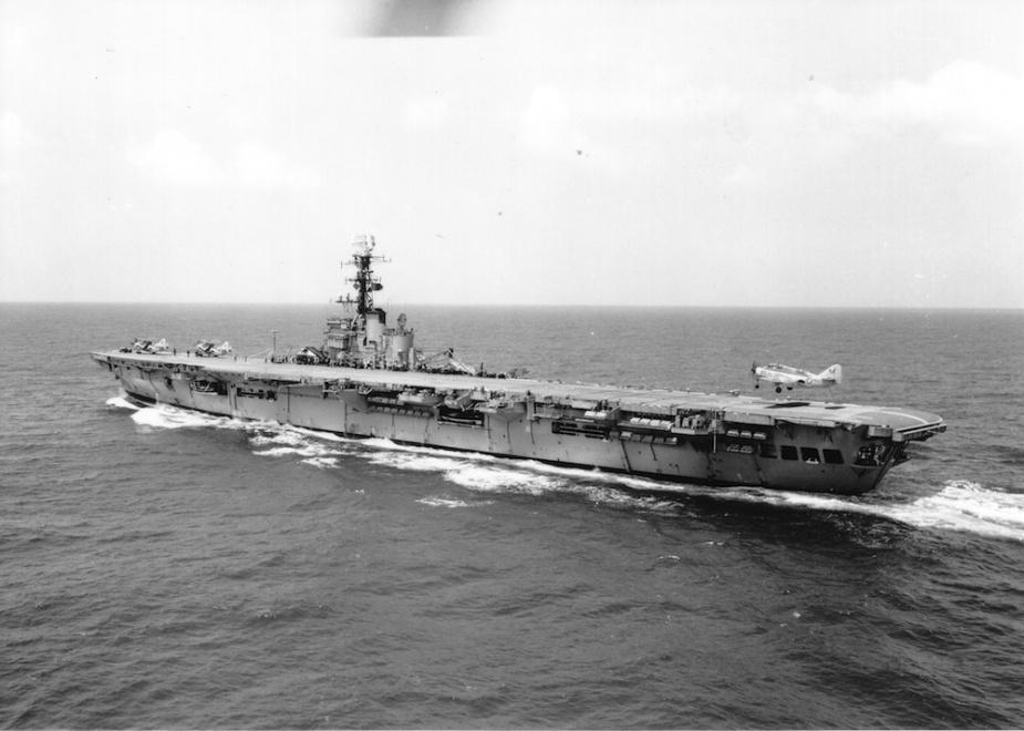Gannet 853 landing on HMAS Melbourne (II).