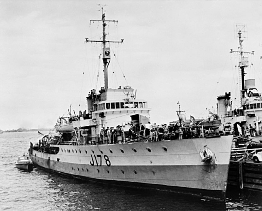 HMAS Geraldton.