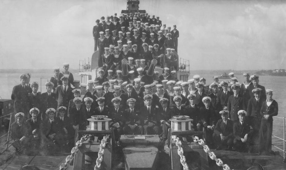 HMAS Bataan's ship's company c.1947