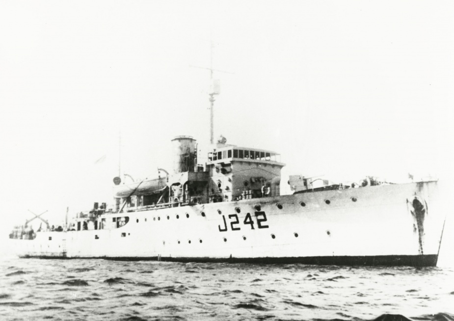 HMAS Colac was one of sixty Australian Minesweepers built for service during World War II.