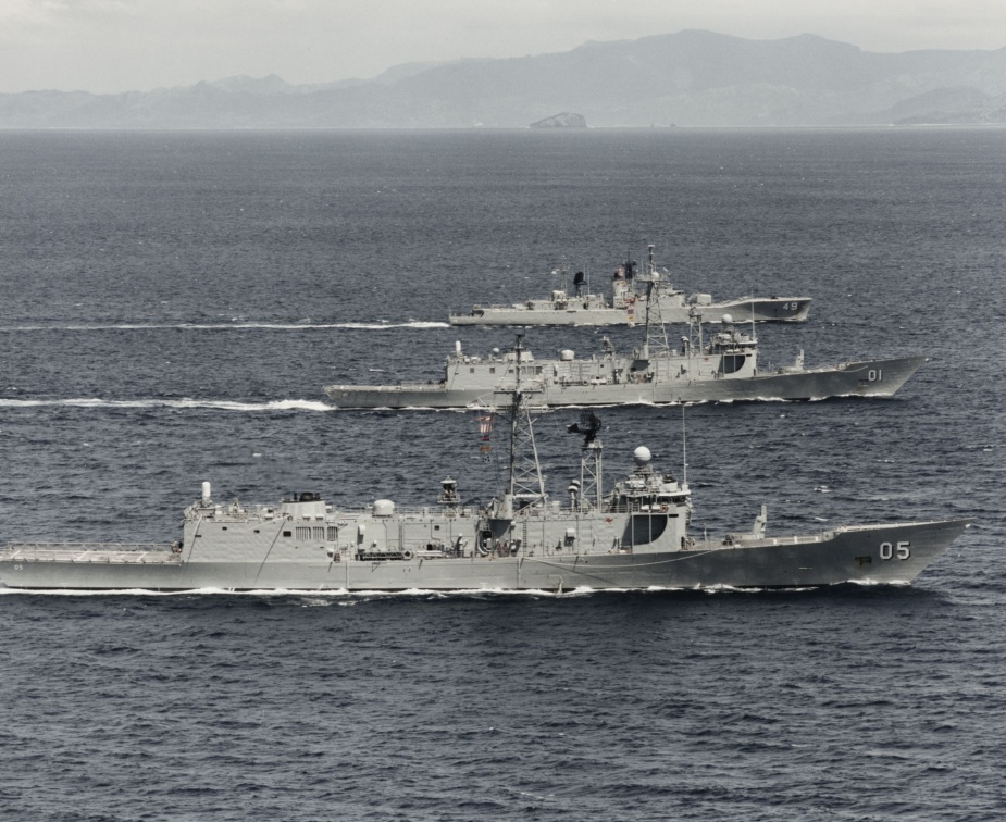 HMAS Derwent in company with HMAS Adelaide and HMAS Melbourne