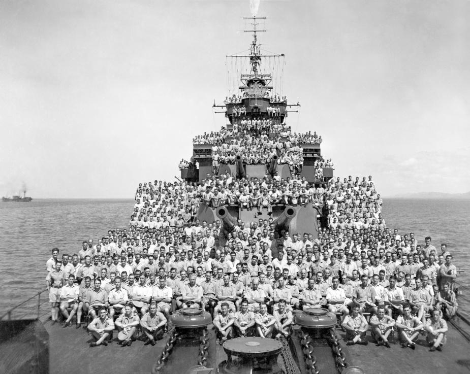 HMAS Shropshire's ships company c.1945