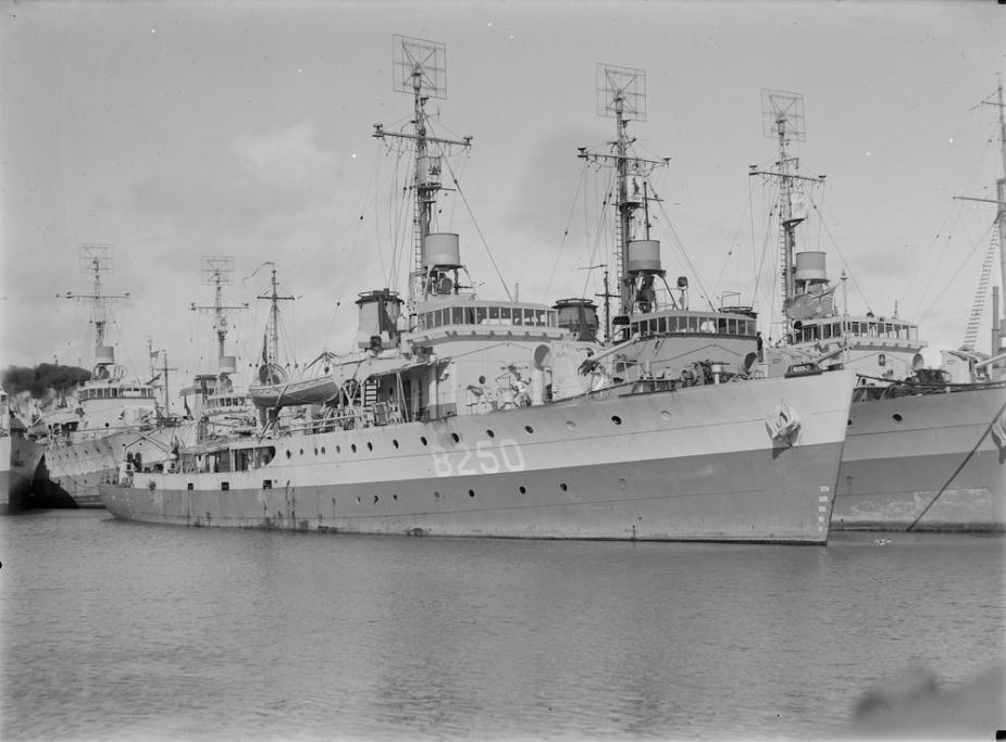 Ballarat berths inboard of her sister ships Bendigo and Tamworth (B250) at Williamstown, January 1946.