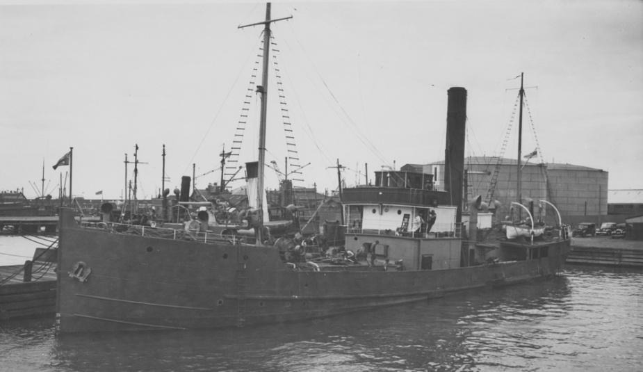 HMAS Uki following her fit out which saw the addition of a forward 12 pounder gun and minesweeping winch, Williamstown, Victoria.