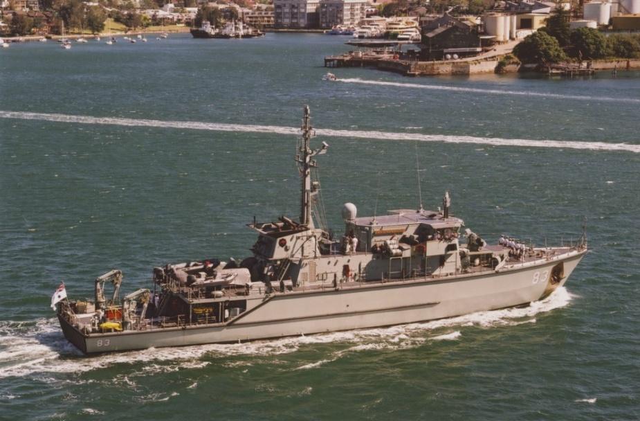 HMAS Hawkesbury (II) in Sydney Harbour.