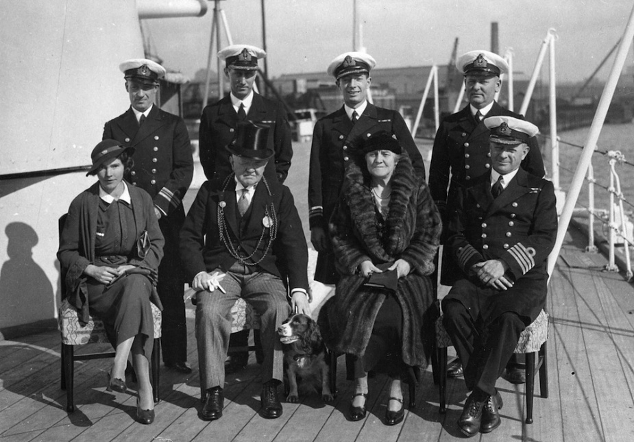 Lord Mayor and Lady Mayoress of Newcastle, Councillor and Mrs RS Dalgliesh; Captain JUP FitzGerald, RN and officers of HMAS Sydney.