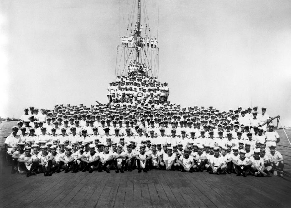 Sydney's ship's company circa 1940.