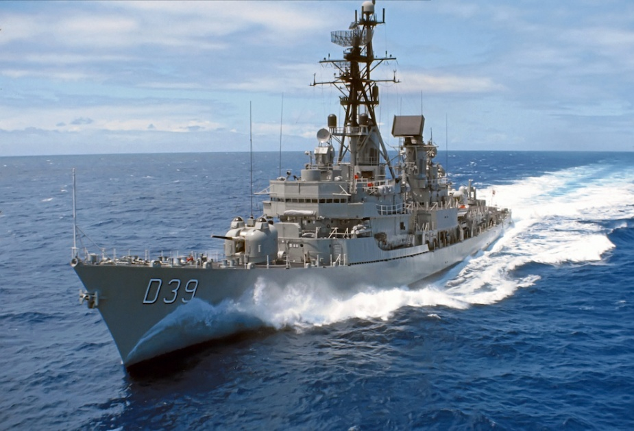 HMAS Hobart (II) underway in waters off Vietnam. (Image: Bevin Stringer)