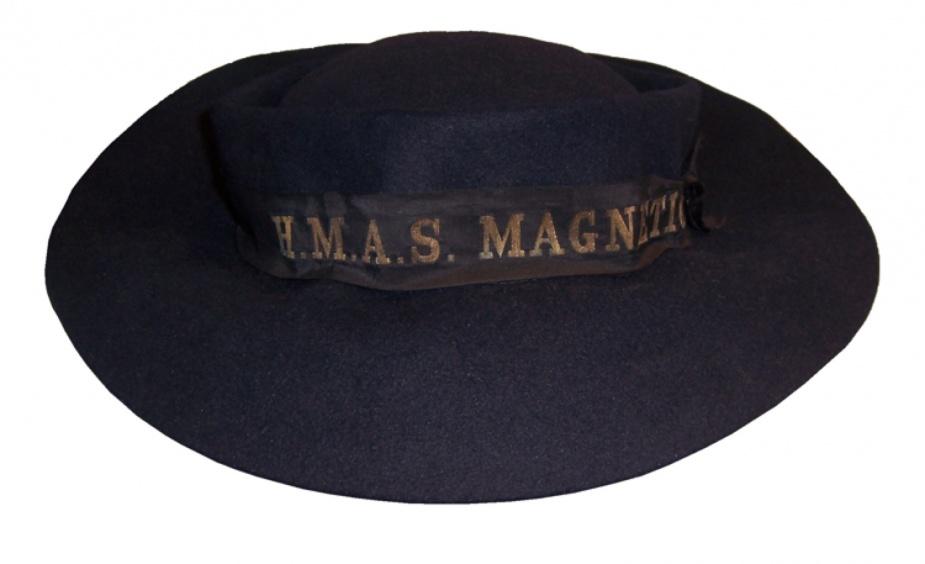 A WRANS wool felt hit with HMAS Magnetic cap ribbon.