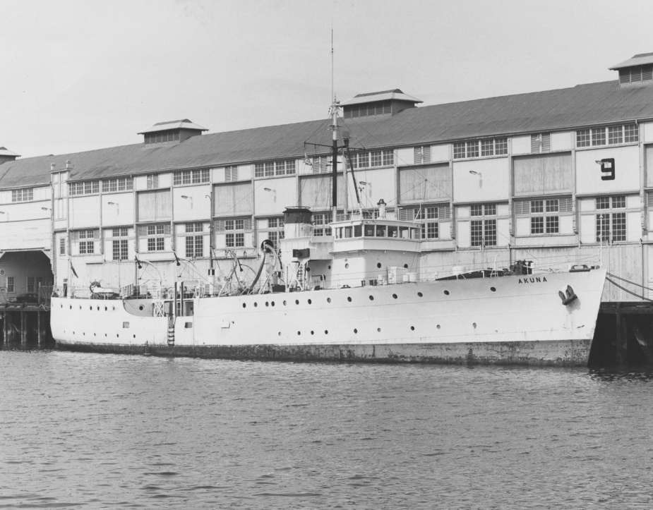 Following her service in the RAN, Gladstone was sold and converted to a pilot vessel. In this role she was renamed Akuna.