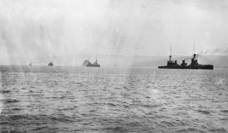HMAS Australia leads the French cruiser Montcalm into