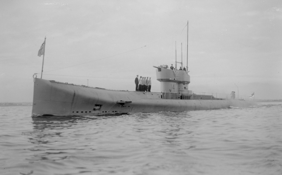 HMA Submarine J4 in Victorian waters (Allan C Green, State Library of Victoria)