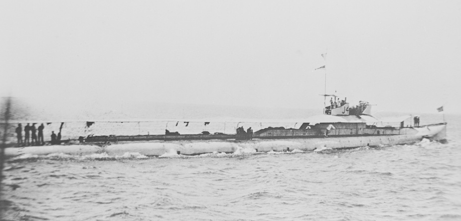 J4 underway, possibly during her voyage to Australia. Note the awning spread over the casing in an effort to keep the vessel cool.