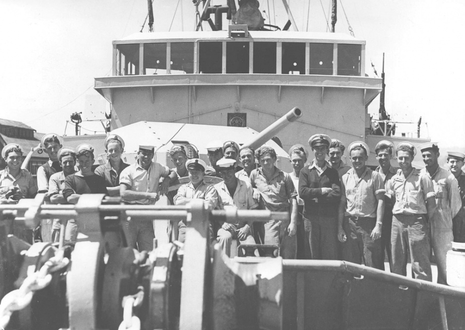 Members of HMAS Launceston's crew.