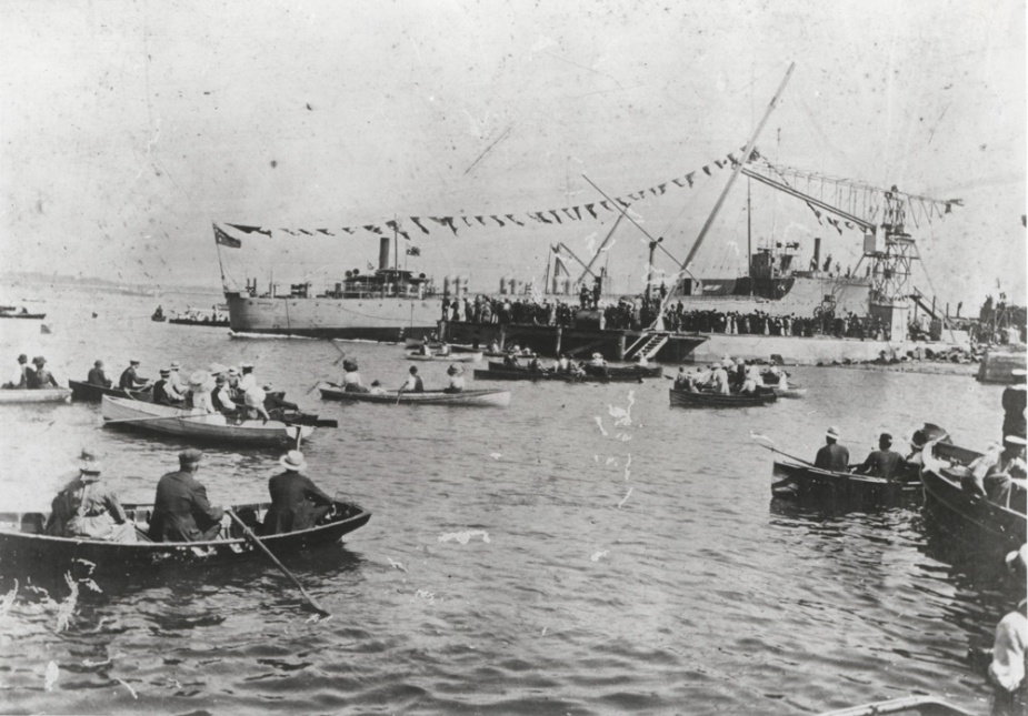 HMAS Warrego's launching on 4 April 1911.